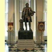 Statue of Bro. George Washington wearing Masonic apron