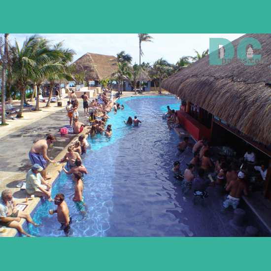 swimming pool bar cancun mexico