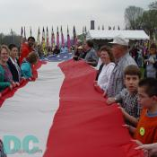 Smithsonian Kite Festival - Unfurling the American Flag